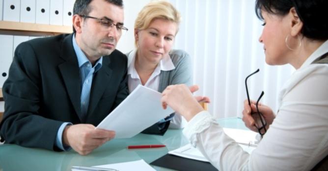 Primero lo primero. Acérquese a sus acreedores e infórmeles.